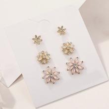 3 pares pendientes de tachuela con diseño floral grabado con diamante de imitacion