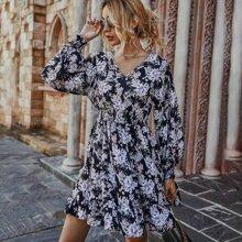 Vestido linea A de cintura fruncido floral