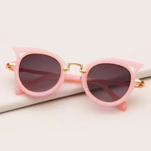 Maedchen Katzen Augen Sonnenbrille