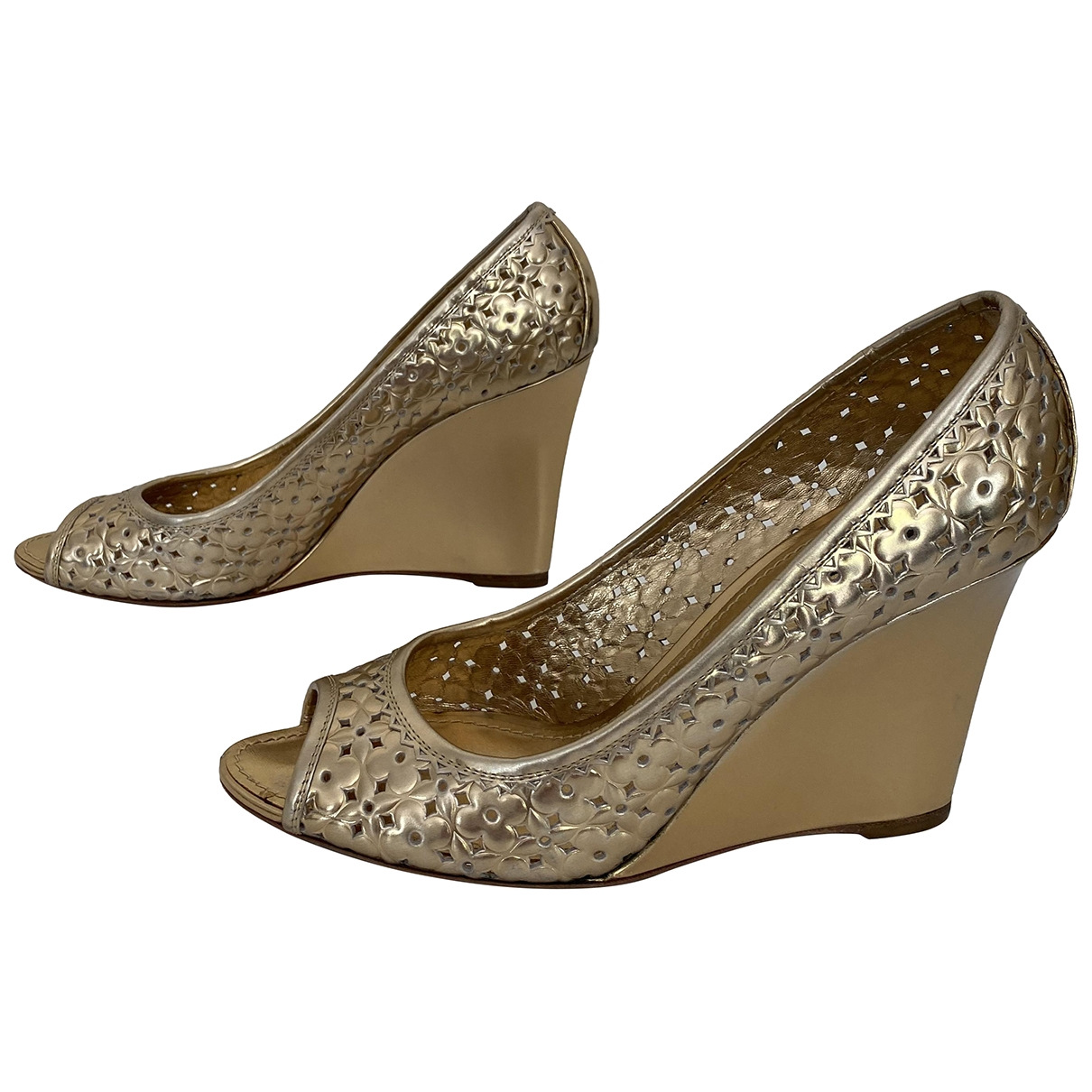 Louis Vuitton \N Gold Leather Heels for Women 40.5 IT