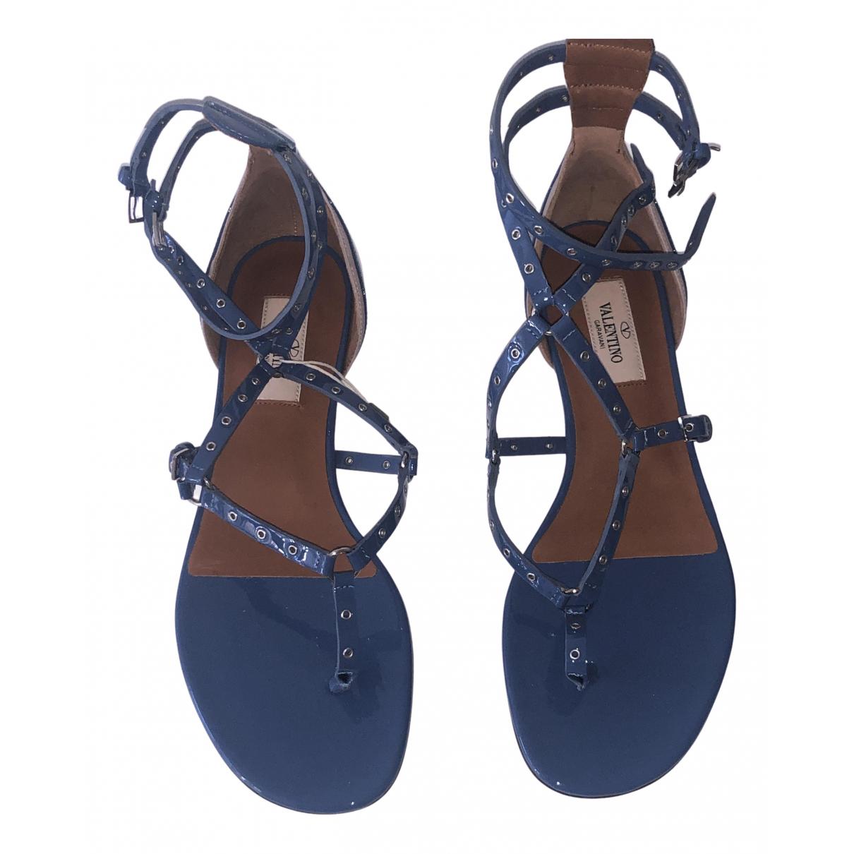 Valentino Garavani - Sandales   pour femme en cuir verni - bleu