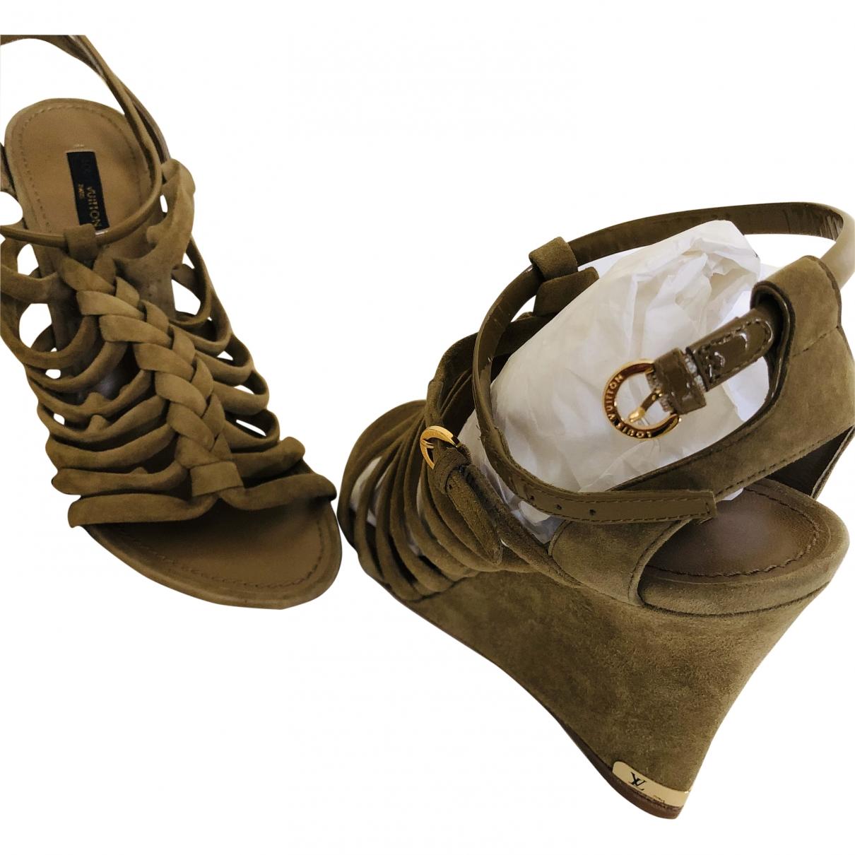 Louis Vuitton \N Khaki Suede Sandals for Women 39 EU