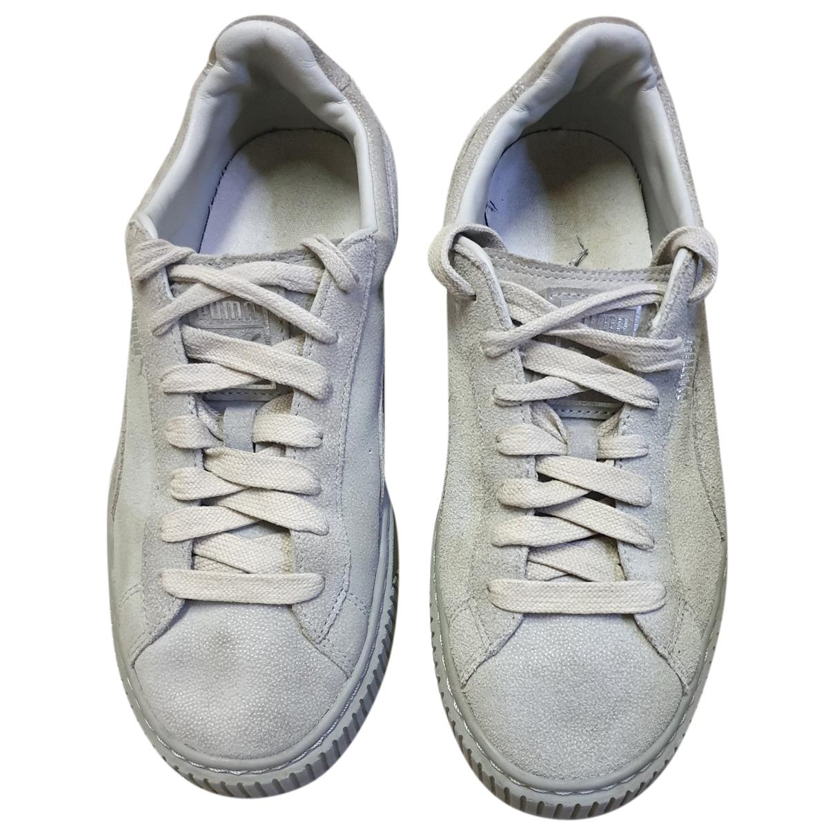Puma \N Sneakers in  Grau Veloursleder