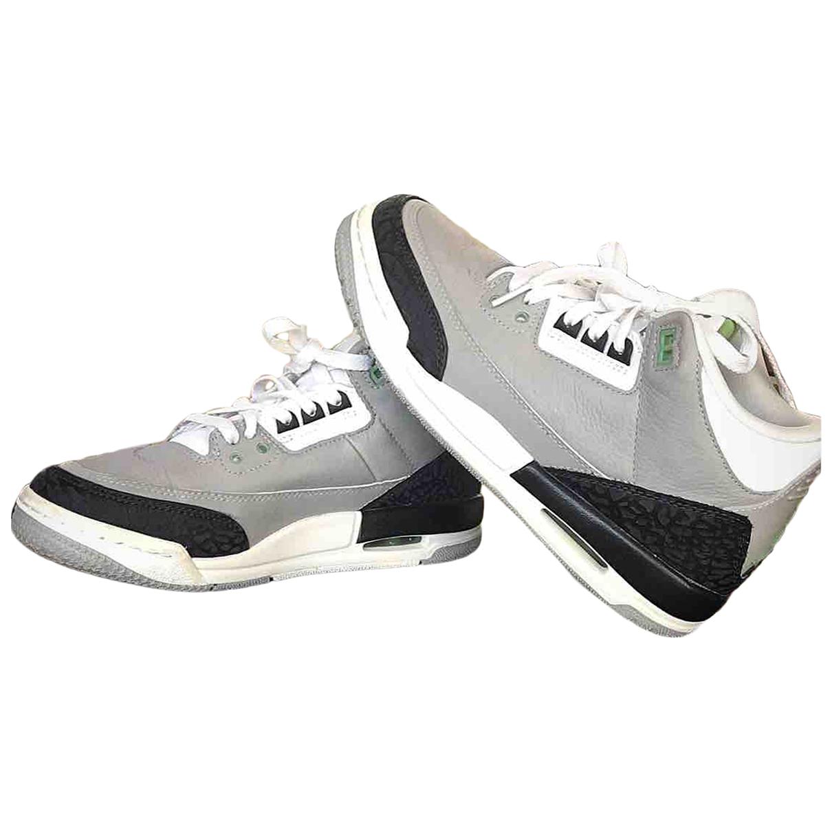 Jordan - Baskets Air Jordan 3 pour femme en cuir - gris
