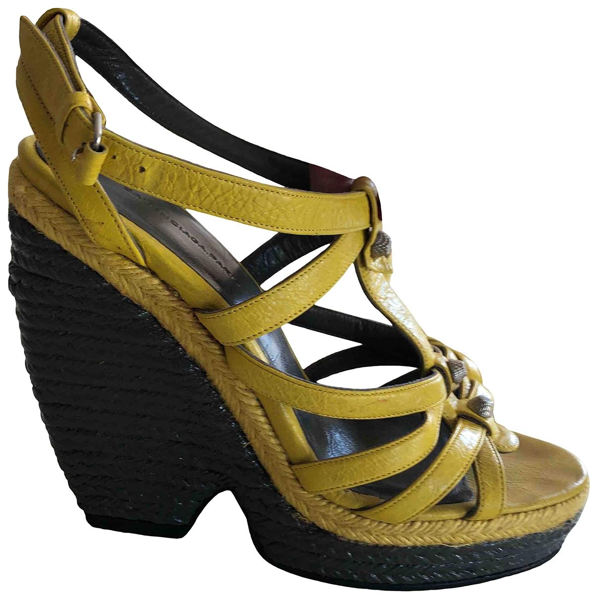 Balenciaga - Espadrilles   pour femme en cuir - jaune