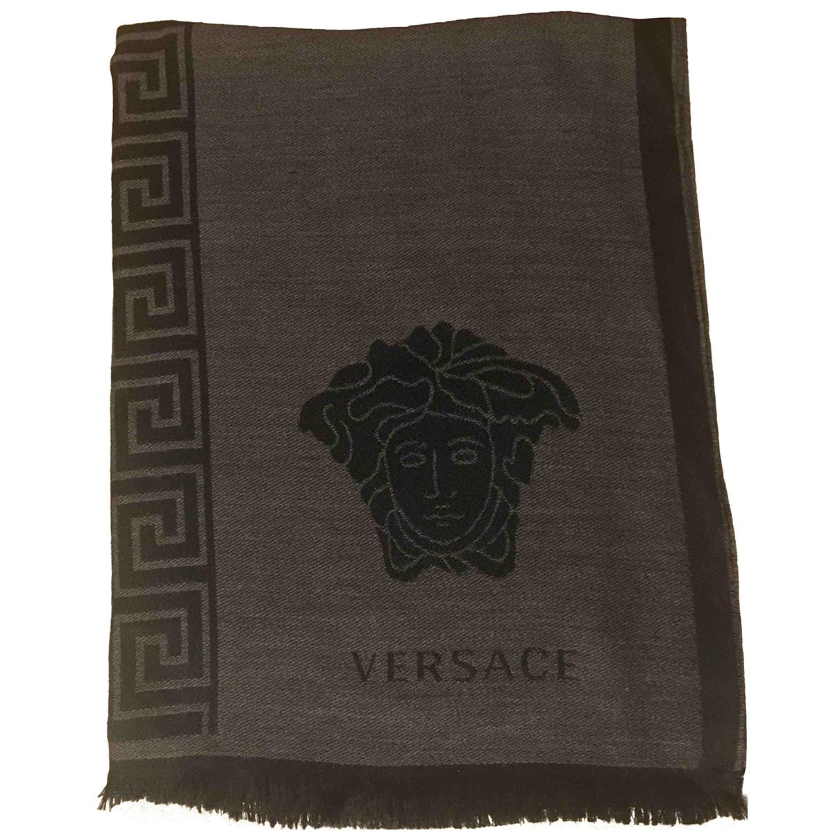 Versace \N Schal in  Grau Wolle