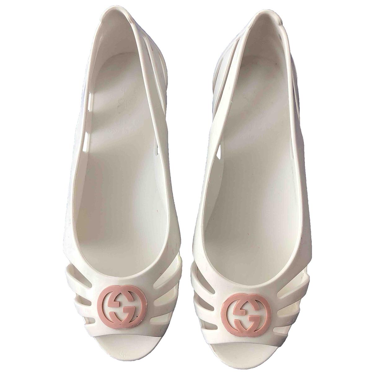 Gucci \N Ballerinas in  Weiss Kautschuk
