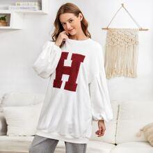 Pullover mit Buchstaben Stickereien und Laternenaermeln