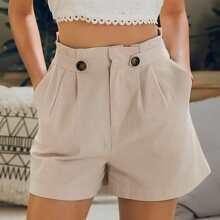 Shorts mit Falten Detail, schraegen Taschen und Taschen