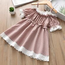 Schulterfreies Kleid mit Kontrast Schiffy und Karo Muster