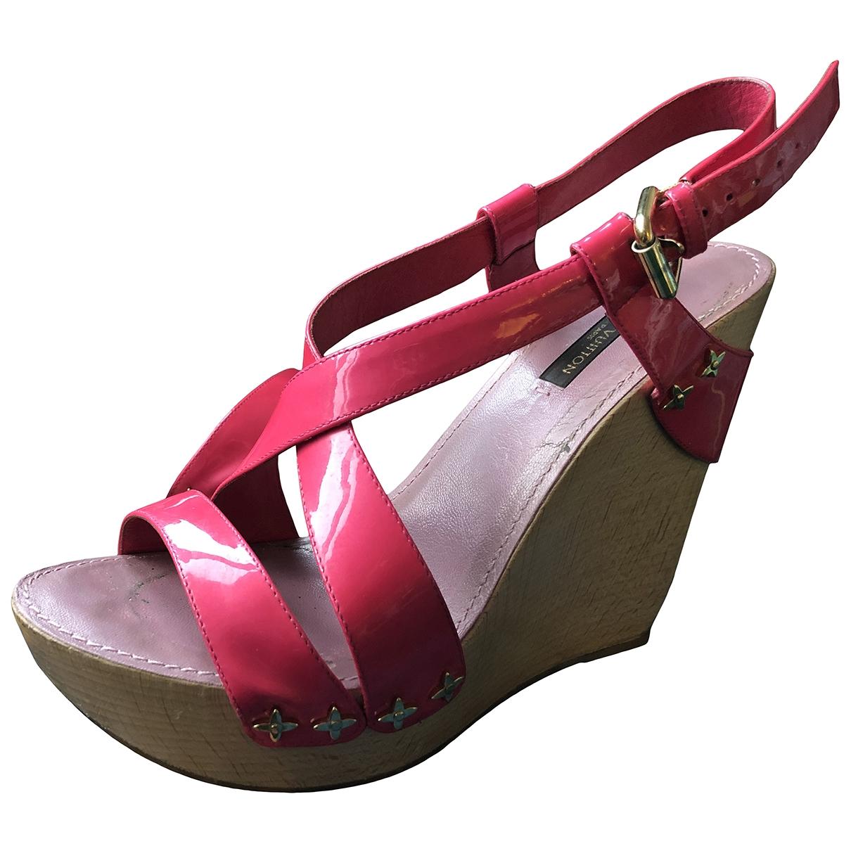 Louis Vuitton - Sandales   pour femme en cuir verni - rose