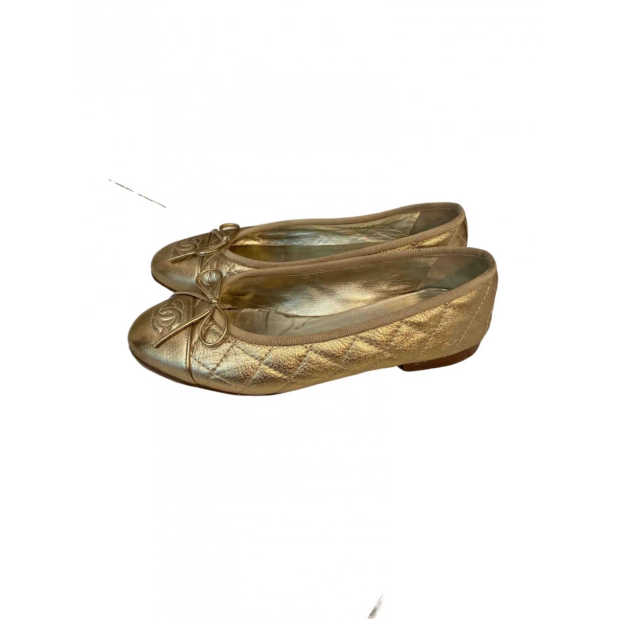 Chanel \N Ballerinas in  Gold Leder