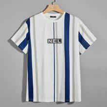 Maenner T-Shirt mit Buchstaben und Streifen