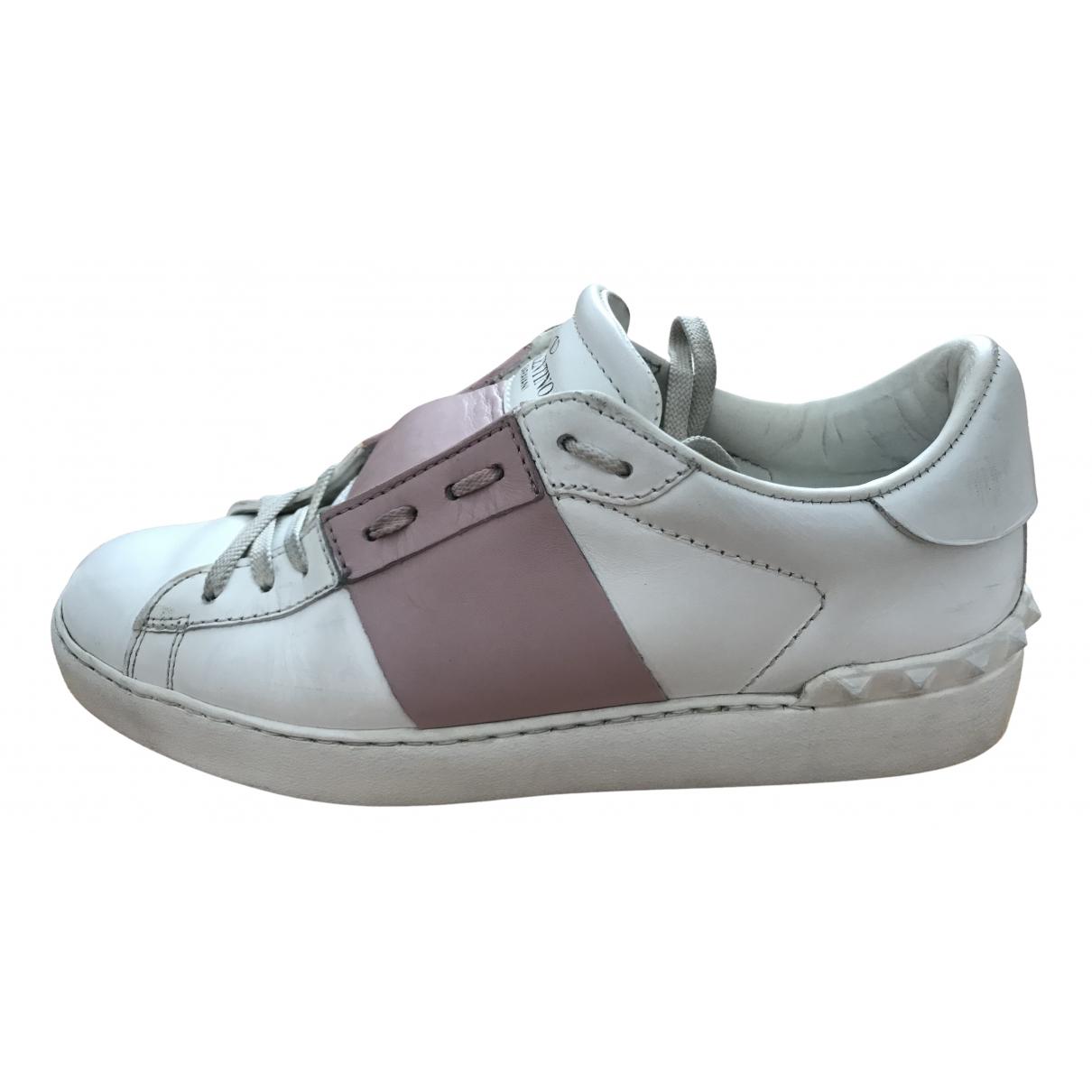 Valentino Garavani - Baskets Rockstud pour femme en cuir - blanc