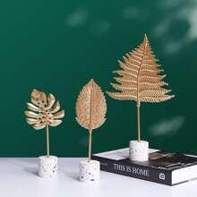 1pc Random Leaf Shaped Decorative Object