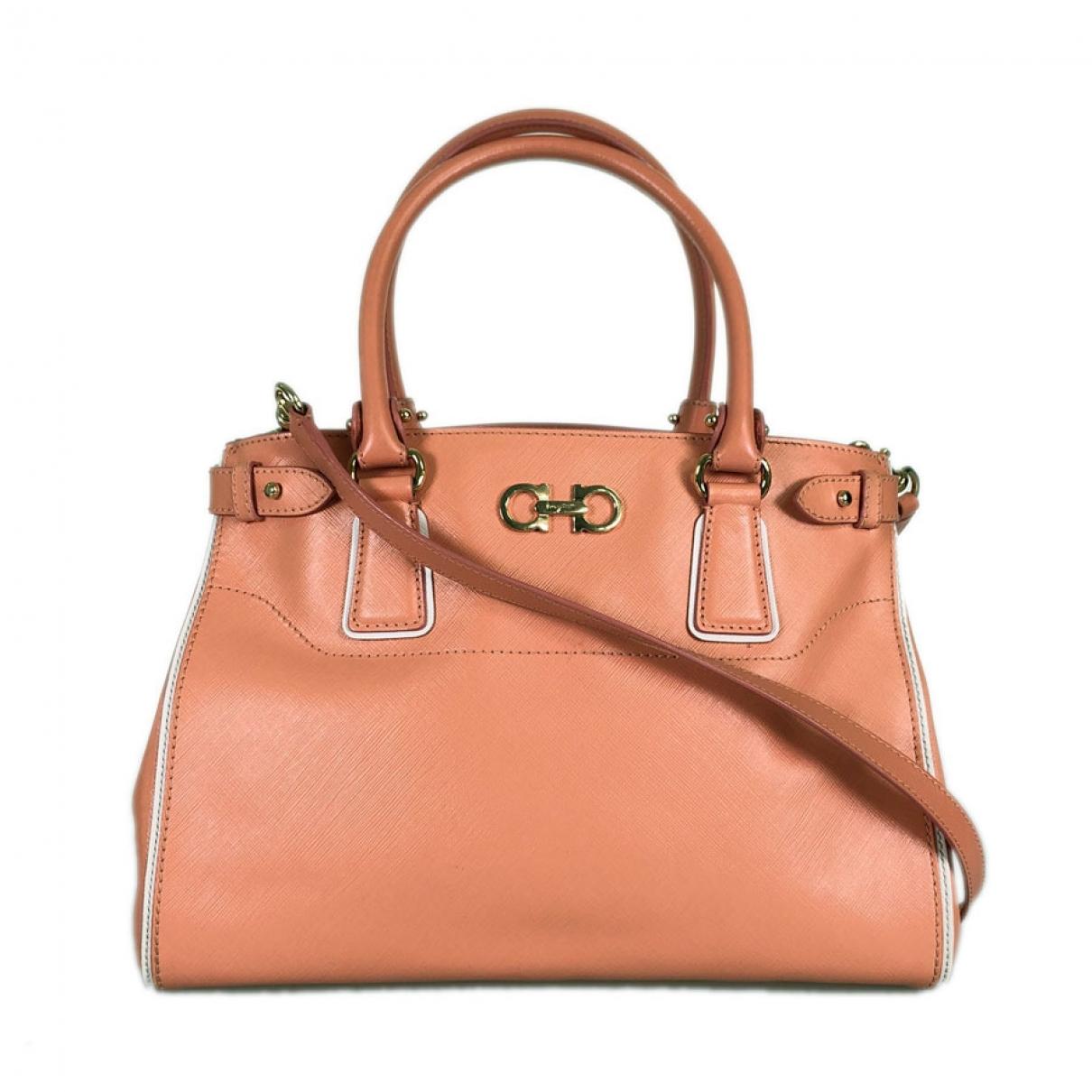 Salvatore Ferragamo \N Handtasche in  Orange Leder