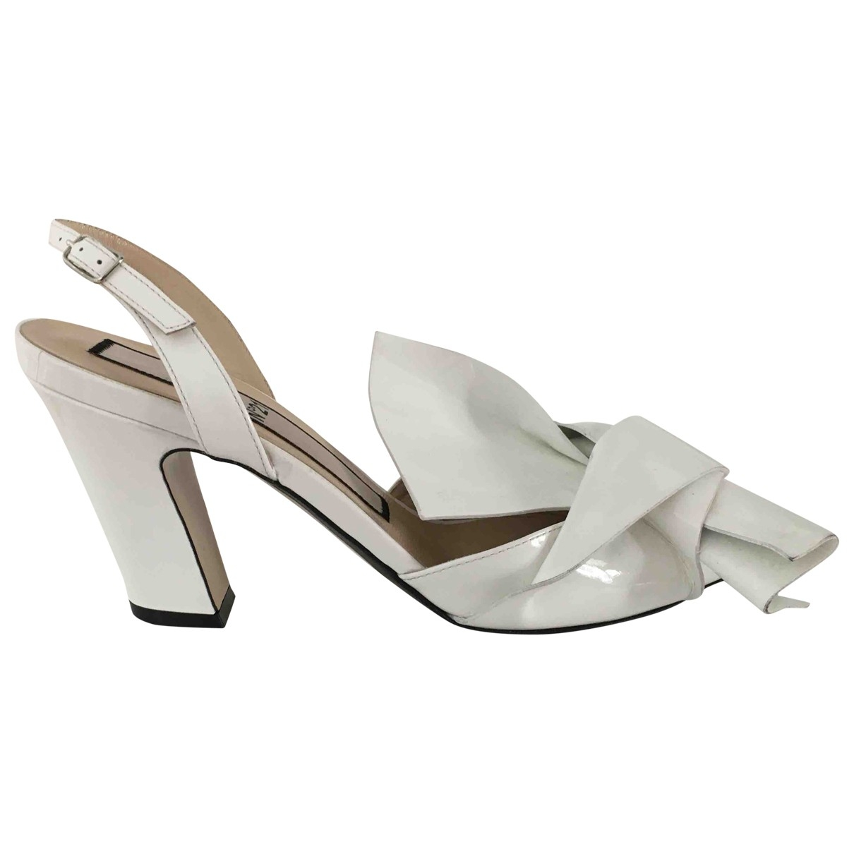 N°21 \N White Patent leather Sandals for Women 38 EU