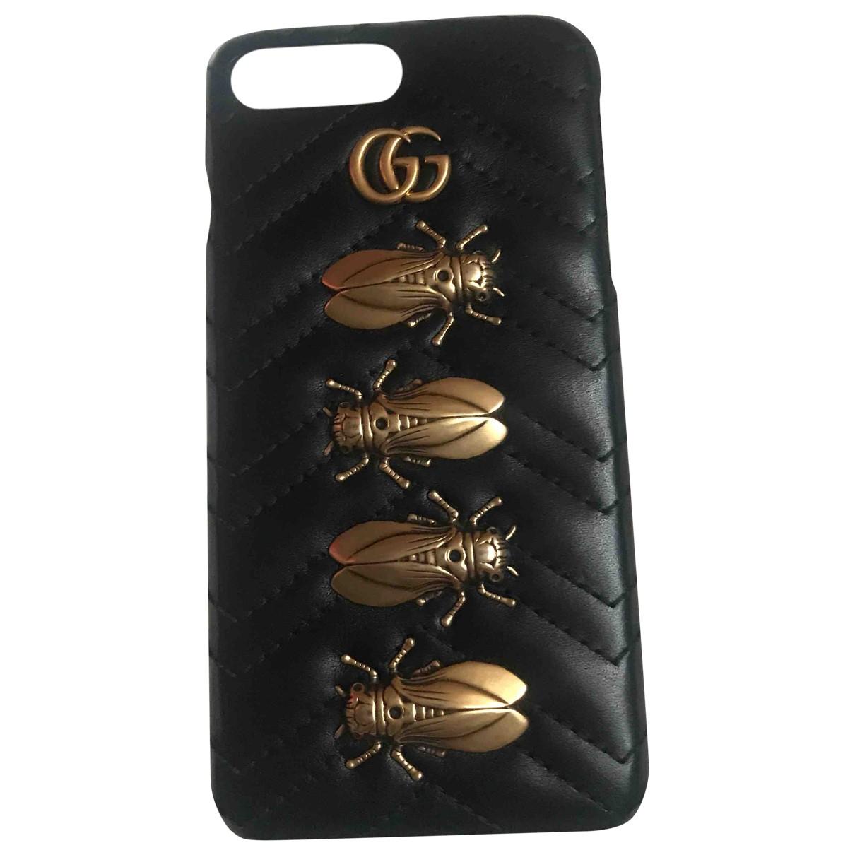 Gucci Marmont Kleinlederwaren in  Schwarz Leder