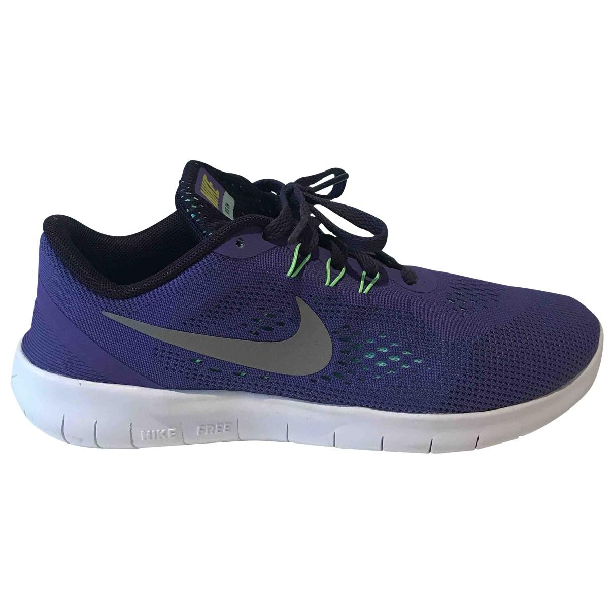 Nike Free Run Sneakers in  Lila Leinen