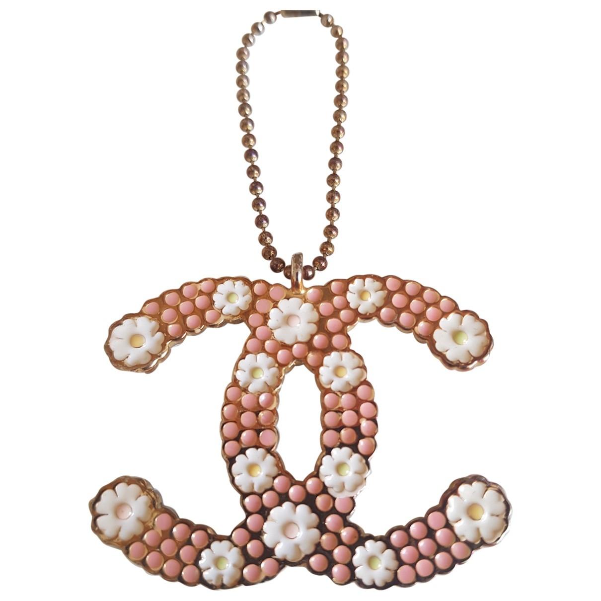 Chanel \N Taschenschmuck in Metall
