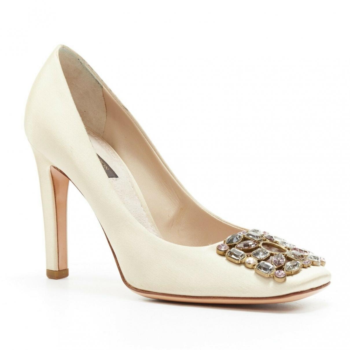 Louis Vuitton \N White Cloth Heels for Women 36 EU
