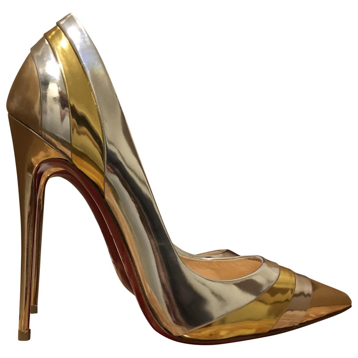Christian Louboutin \N Pumps in  Gold Leder