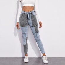 Jeans mit Farbblock