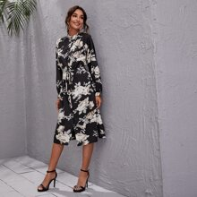 Kleid mit Knopfen vorn, Guertel und Blumen Muster