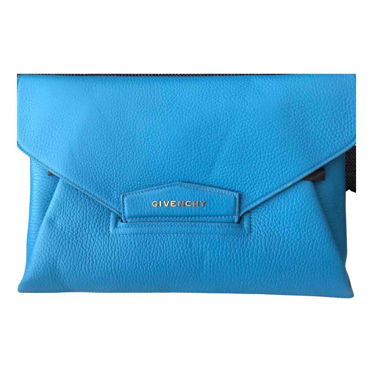 Givenchy Antigona Clutch in  Blau Leder