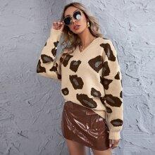 Pullover mit komplettem Muster und sehr tief angesetzter Schulterpartie