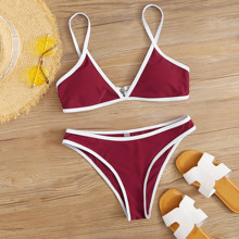 Bikini Badekleidung mit Kontrast Bindung