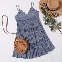 Slip Kleid mi mehrschichtigem Rueschenbesatz und Bluemchen Muster