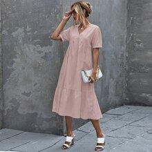 Kleid mit Band hinten und Rueschenbesatz