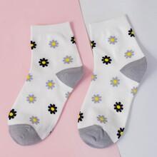 Calcetines con patron de flor