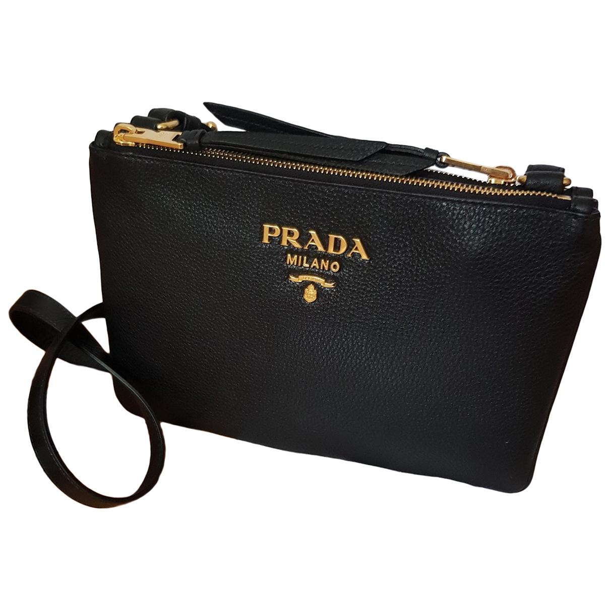 Prada Light Frame Handtasche in  Schwarz Leder