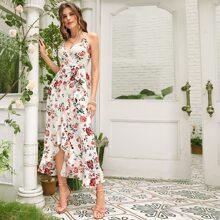 Cami Wickelkleid mit Blumen Muster, seitlichem Band und asymmetrischem Saum