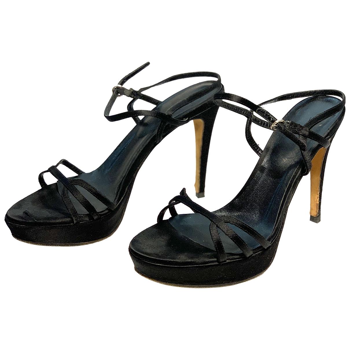 Sandalias romanas de Cuero Moschino
