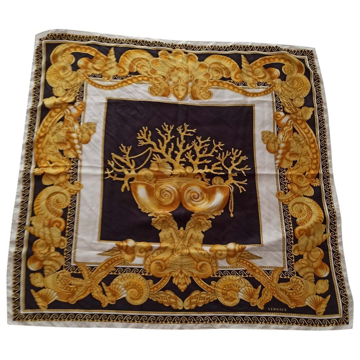 Versace \N Black Silk scarf for Women \N