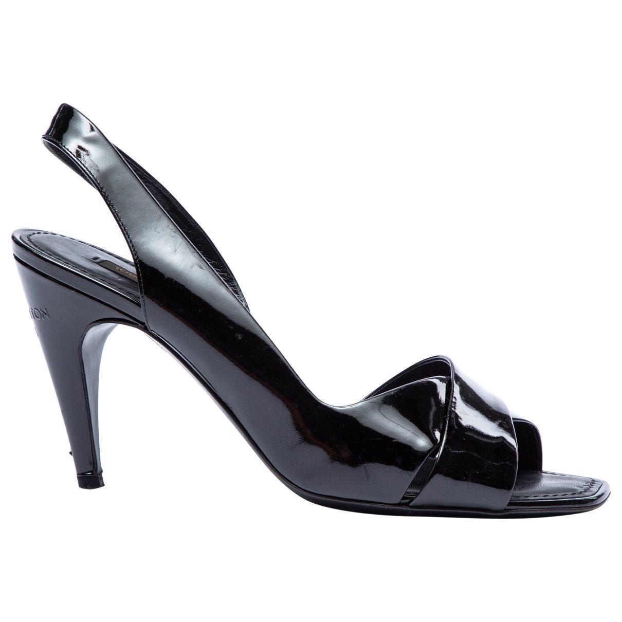 Louis Vuitton \N Pumps in  Schwarz Lackleder
