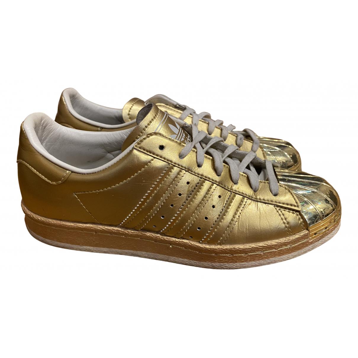 Adidas Superstar Sneakers in Leder