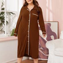 Nachtkleid mit Kontrast Bindung und Knopfen vorn
