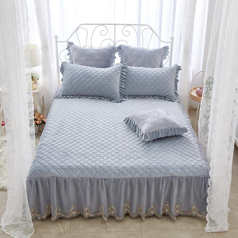 Princess Style and Square Design Plain Crystal Velvet Bed Skirt
