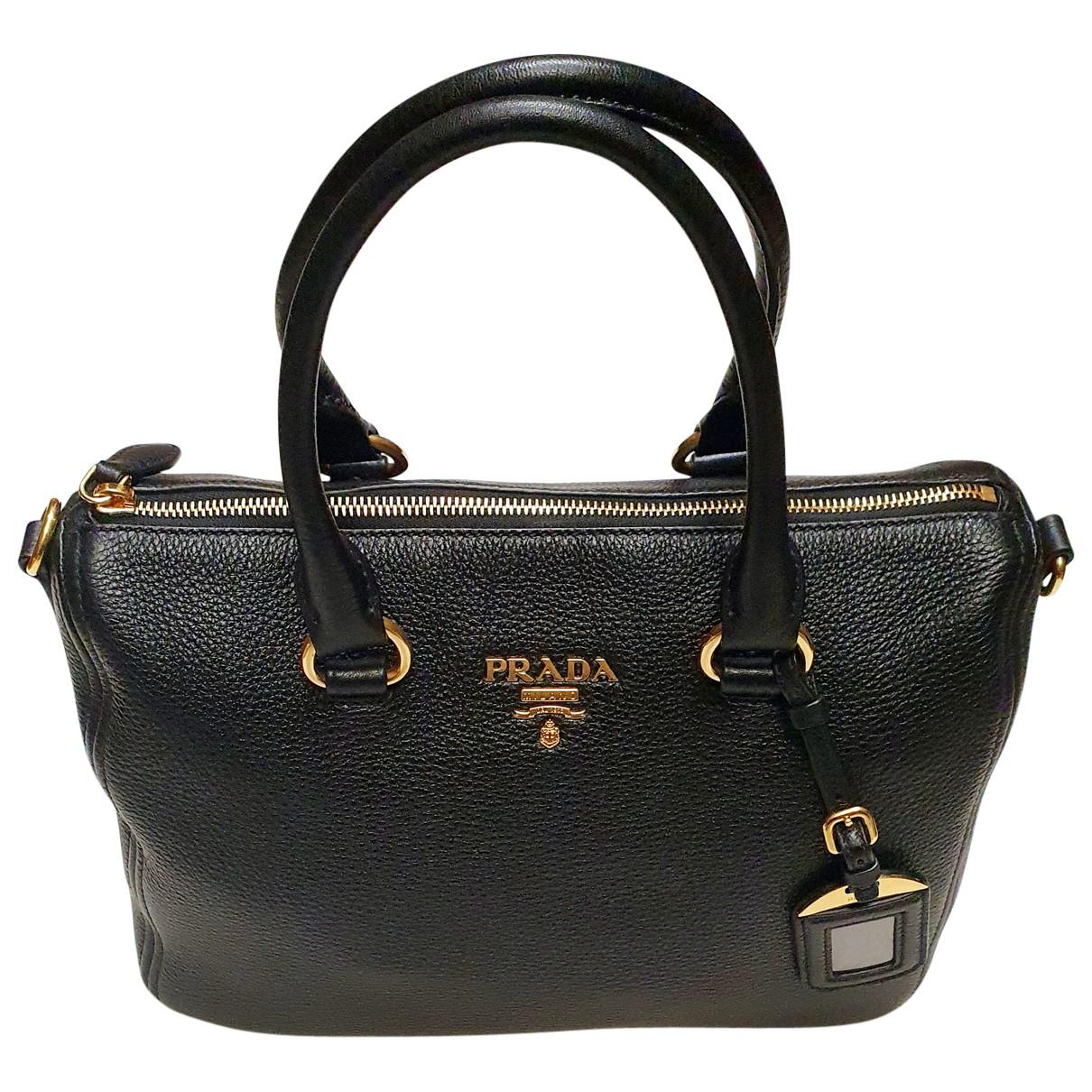 Prada \N Handtasche in  Schwarz Leder