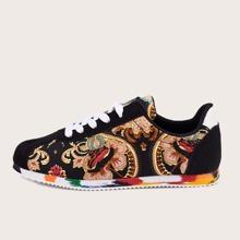 Maenner Sneakers mit Band vorn und Stamm Grafik