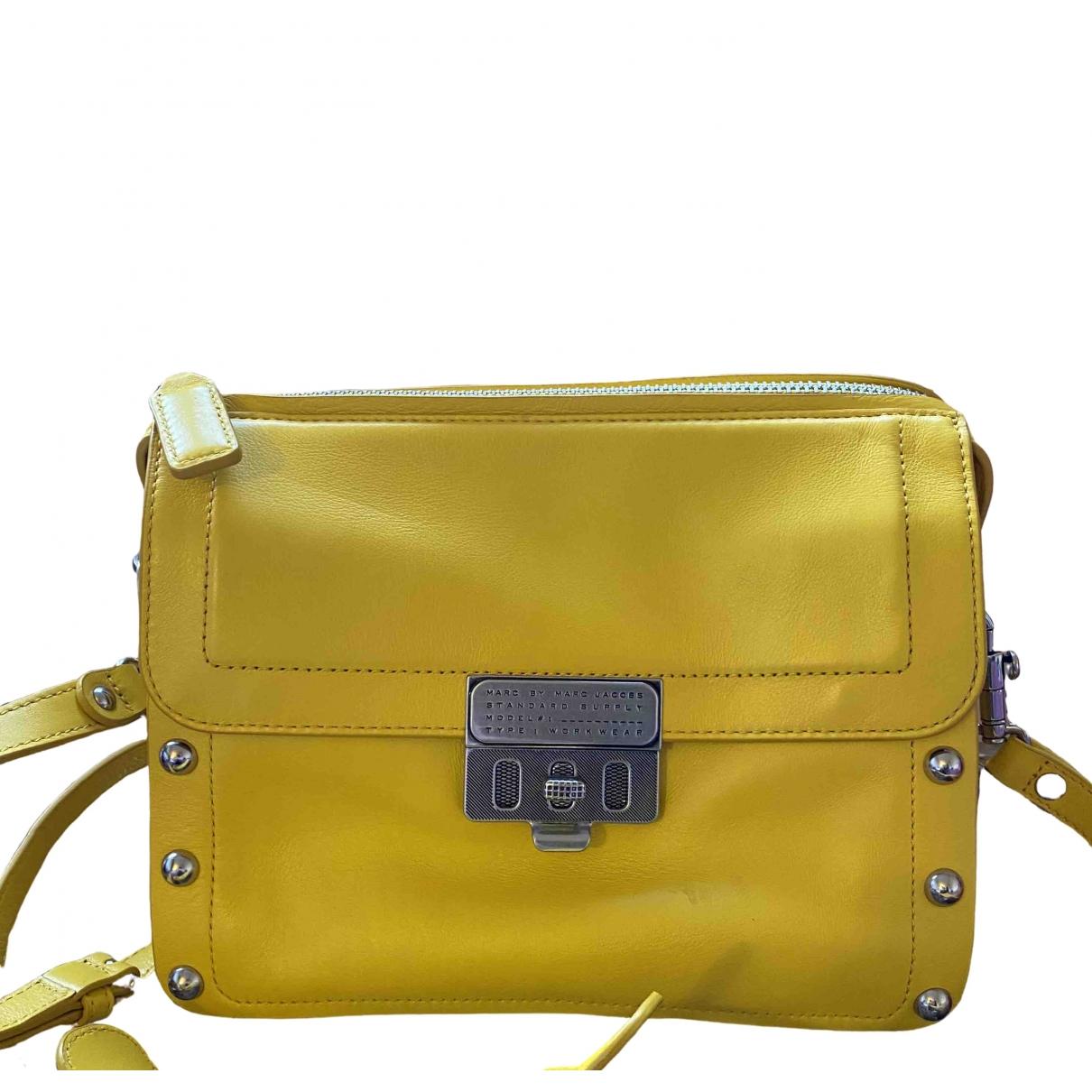 Marc By Marc Jacobs \N Handtasche in  Gelb Lackleder