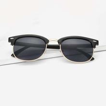 Maenner Sonnenbrille mit Browline Rahmen