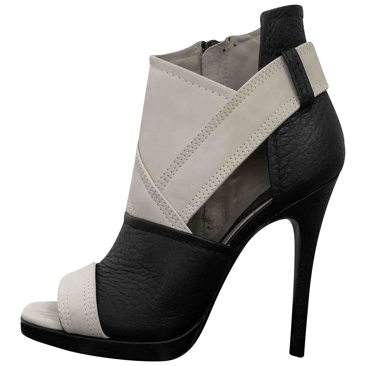 Mcq \N Black Leather Sandals for Women 38 EU