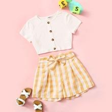 Maedchen geripptes T-Shirt mit Knopfen & Shorts Set mit Guertel und Karo Muster