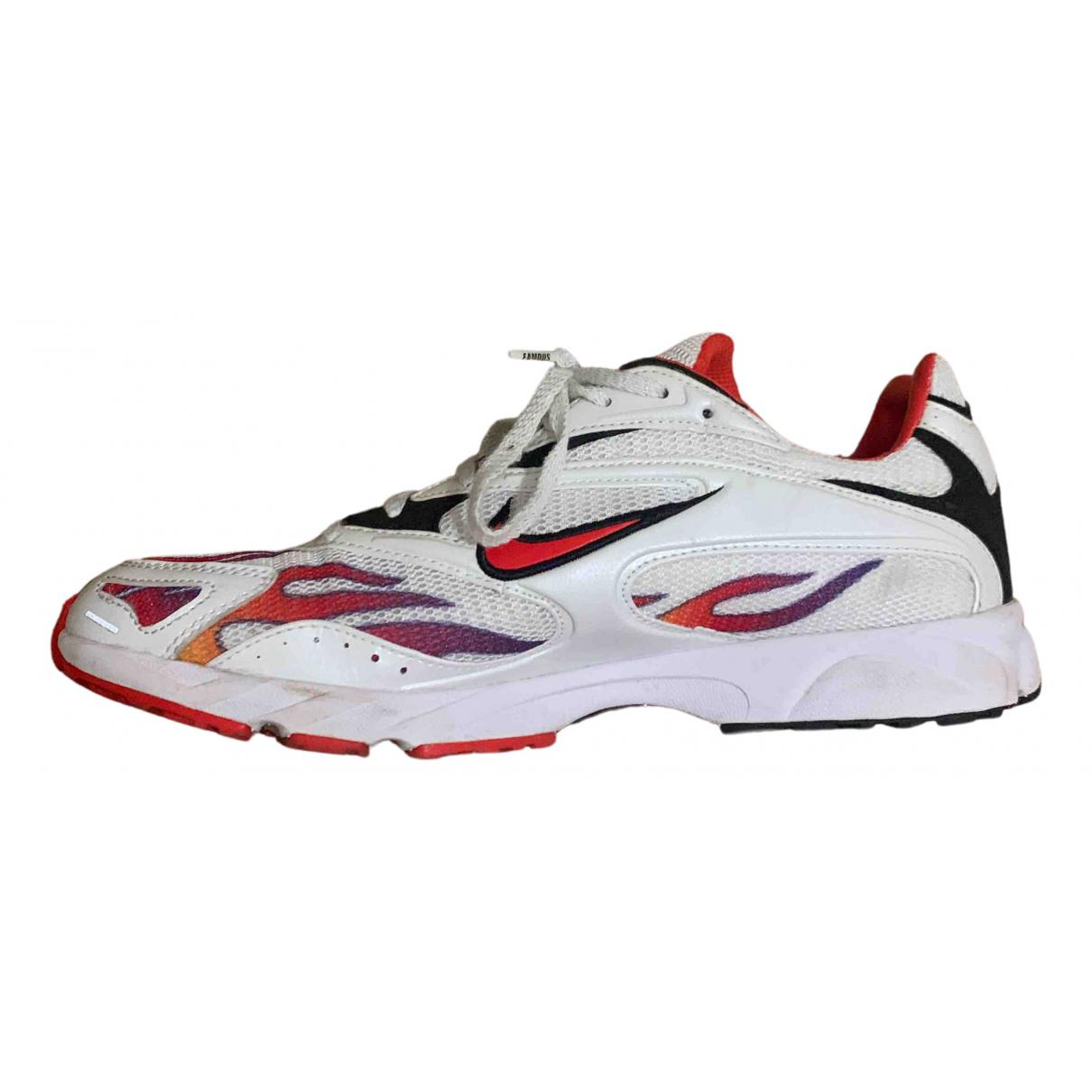 Nike X Supreme Zoom Streak Spectrum Plus Sneakers in  Bunt Leinen