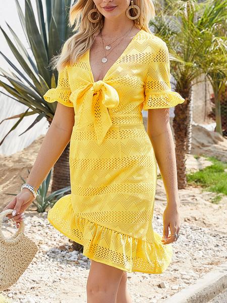 Milanoo Minivestidos Vestido corto de poliester de manga corta amarilla